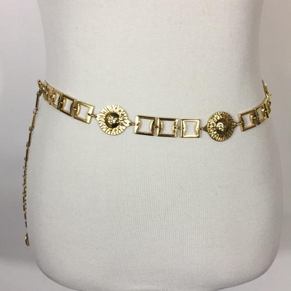 e439b7e061a VTG Gianni Versace Profumi Gold-Tone Belt Sun Face.  M 5a397c4c5512fd07cf018f6f